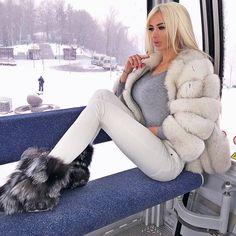 Yummy Anna in a yummy outfit by on DeviantArt Fur Fashion, Womens Fashion, Fabulous Fox, Fox Fur Coat, Fur Coats, Perfect Figure, White Fur, Fur Jacket, Mantel