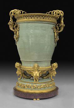 large sea-green porcelain vase, decorated with gilt-bronze snakes and harpies Porcelain Vase, Fine Porcelain, Porcelain Jewelry, Porcelain Doll, Art Nouveau, Luis Xvi, Celadon, Bronze, China Patterns