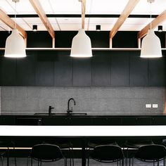 Moda Design Group delivers agile workplace solutions for Redzed's new Melbourne Head Office.