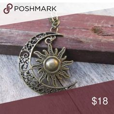 🌙ANTIQUE BRASS MOON LARIAT NECKLACE🌙 🌙ANTIQUE BRASS MOON LARIAT NECKLACE🌙 Jewelry Necklaces