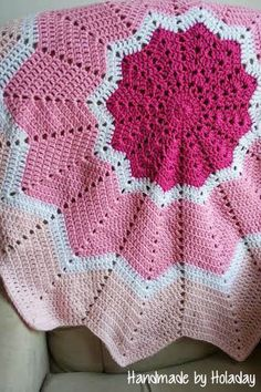 Crochet Pink Ombre Star Baby Blanket {Handmade by Holaday}