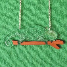 Chameleon Necklace | Howkapow  This is so brilliant!