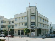 Abbey Hotel (1940) 300 21st Street South Beach Miami. Architecte : Albert Anis. ©GB