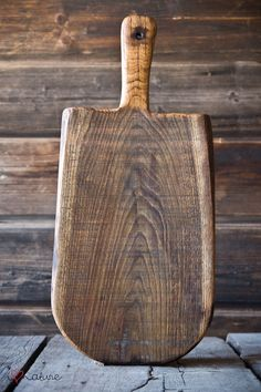 Vintage style cutting board