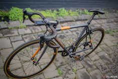 In our latest 'Bikes of the Bunch', Craig Simons from Melbourne recently received his well considered custom Jaegher straight from Belgium. In this piece, Craig tells us about his rationale for the build and what drew him to this new love of his life. The first ideas for this build came a few years ago …