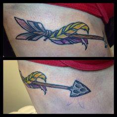 Arrow tattoo by Candela pájaro