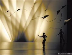 The slow suppleness and gravity-defying lightness of Cloud Gate Dance Theatre from Taiwan