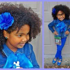 she is so cute rockin' her curls
