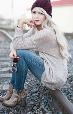 Oversized sweater: c/o The Chic Orchid jeans: Express shoes: c/o Steve Madden Utah (801-355-3917) sunnies: Vince Camuto hat: Aporta Shop via Kingdom & State lips: MAC (up the amp)