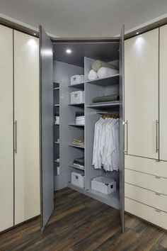 Corner Wardrobe Closet, Bedroom Built In Wardrobe, Wardrobe Storage, Wardrobe Doors, Closet Storage, Cupboard With Dressing Table, Wardrobe With Dressing Table, Bedroom Corner, Closet Bedroom