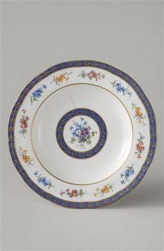 A Sèvres soup bowl from a service made for the princesse de Lamballe, 18th century. [credit: © RMN-Grand Palais (Sèvres, Cité de la céramique) / Martine Beck-Coppola]