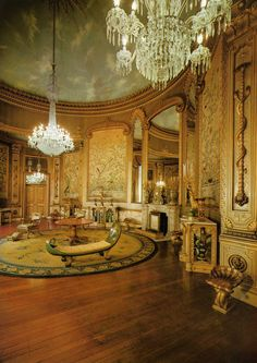 Interior of The Royal Pavilion, Brighton, East Sussex: The Saloon