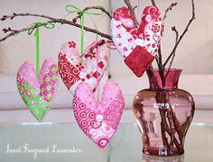 Valentines: Heart Sachets diy... http://sew4home.com/projects/fabric-art-a-accents/480-valentines-heart-sachets