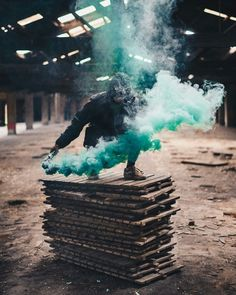 Smoke photography ideas - With the knowledge where to purchase smoke bombs for photography you won't ever be boring again. Smoke photography is extre. Creative Portraits, Creative Photography, Photography Tips, Portrait Photography, Nature Photography, Great Photos, Cool Pictures, Smoke Flares, Arte Dope