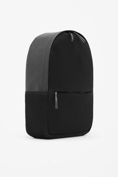 Leather and mesh backpack, cos Mesh Backpack, Backpack Bags, Black Leather Backpack, Leather Bag, Leather Backpacks, Mochila Nike, Minimalist Bag, Back Bag, Waterproof Backpack
