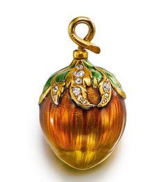 A YELLOW GOLD, ENAMEL AND DIAMOND-SET ACORN-FORM WATCH  - CIRCA 1900.