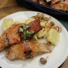 Králík po doudlebsku Chicken, Food, Straws, Meat, Meals, Yemek, Buffalo Chicken, Eten, Rooster