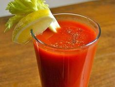 How to make Bloody Mary. Step by step instructions to make Bloody Mary . Refreshing Drinks, Yummy Drinks, Fancy Drinks, Healthy Drinks, Bloody Mary Recipes, Fru Fru, Tomato Juice, Easy Cocktails, Mixed Drinks