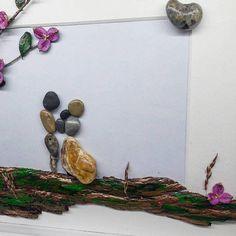 https://www.etsy.com/listing/571070838/family-frame-family-of-three-pebble-art