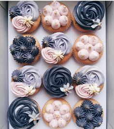 Prettiest kind of cupcakes you'll ever find. Check out our for all the yummy sweet updates on Insta. Cupcakes Design, Cupcake Cake Designs, Cupcake Cakes, Pretty Cupcakes, Mini Cupcakes, Mermaid Cupcakes, Fancy Cakes, Cute Cakes, Elegante Cupcakes