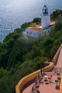 Costa Brava, Faro de San Sebastián, Cerca de LLafranc