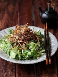 パリパリごぼうとしらすの和サラダ。 Chinese Food, Japanese Food, Seaweed Salad, Japchae, Side Dishes, Cabbage, Vegan Recipes, Food And Drink, Lunch