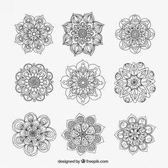 Mandalas ornamentales Vector Gratis