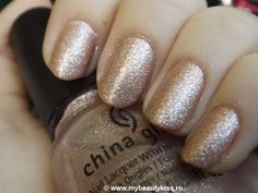 Nail Of The Day -  China Glaze 801 Stellar http://www.mybeautykiss.ro/NOTD35_ChinaGlaze_Stellar.php