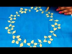 DIY : One Stroke Floral Wreath Painting on Fabric Ice Painting, Easy Flower Painting, Fabric Painting, Stone Painting, Simple Canvas Paintings, Easy Canvas Painting, Easy Paintings, Painting Crafts For Kids, Painting Activities