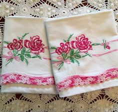 Vintage Embroidery Pillow Cases - Vivid Pink Roses And Rosebuds Garland w Crochet Trim - Pair - New Unused - Crisp Pillowcases Embroidered Roses, Embroidered Pillowcases, Crochet Trim, Hand Crochet, Vintage Linen, Vintage Embroidery, Needle And Thread, Rose Buds, Pink Roses