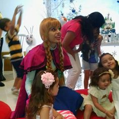 Presença personagem vivo para festa infantil 11947564076 whatsapp  Analufesta