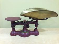 """Antique Red Cast Iron 16 Ounce Balance Scale """"No. 4"""" Brass Pan"""