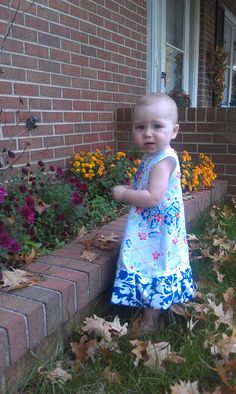 Little Girl Dress Tutorial and Pattern 12-18 Months