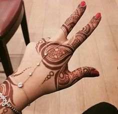#Brilliant #Mehndi / #Heena design via @sunjayjk ~