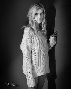 Winter Photography, Editorial Photography, Vintage Jumper, Winter Jumpers, Photographic Studio, Studio Lighting, Model Photographers, Black And White Photography, Lightroom