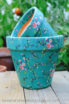 Flower Pot Art, Clay Flower Pots, Flower Pot Crafts, Clay Pots, Clay Pot Projects, Clay Pot Crafts, Craft Projects, Painted Plant Pots, Painted Flower Pots
