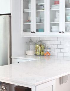 Trendy Kitchen Backsplash With Dark Cabinets Subway Apartment Therapy Ideas Kitchen On A Budget, Kitchen Redo, New Kitchen, Kitchen Dining, Kitchen White, Awesome Kitchen, Kitchen Ideas, Outdoor Kitchen Countertops, Kitchen Backsplash