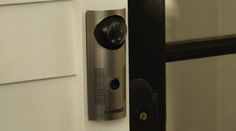 WiFi-Enabled Doorbell Lets You See Who's At Your Door From Anywhere - DesignTAXI.com