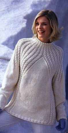 58 ideas for crochet sweater fashion stitches Sweater Knitting Patterns, Knitting Designs, Knit Patterns, Hand Knitting, Knitting Scarves, Knit Fashion, Sweater Fashion, Pull Torsadé, Crochet Clothes