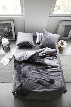 ByNord - Loup sur le lit.