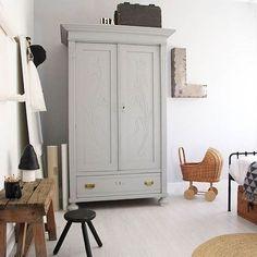 Mommo Design: Eine VINTAGE TOUCH GARDEROBE Kids Furniture, Furniture Design, Garderobe Design, Little Girl Rooms, Kid Spaces, Boy Room, Child Room, Kids Bedroom, Bedroom Art