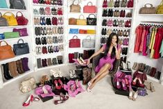 Update: This list has been updated here: 30 Celebrity Walk in Closets that are stunning I've sure we'd all love to have an awesome walk in closet, with all the clothes we like, with shoes and accessories perfectly organized, where we can sit around for hours thinking about what to wear the next day. And [...]