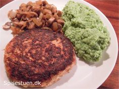 selleri-bøffer-7 Vegan Recipes, Cooking Recipes, Vegan Food, Lchf, Sandwiches, Food And Drink, Low Carb, Ethnic Recipes, Desserts