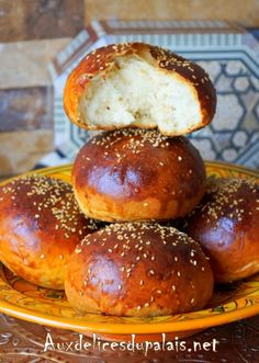 Qrachel brioche marocaine à l'anis Brioche Bread, Bread Bun, Mini Burgers, Arabic Sweets, Ramadan Recipes, Home Baking, Dessert Bread, Sweet Recipes, Patisserie
