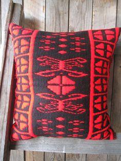 pillow Loom, Throw Pillows, Toss Pillows, Cushions, Decorative Pillows, Decor Pillows, Fabric Frame, Scatter Cushions