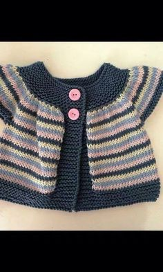 Striped short and long-sleeved baby cardigan - Best Knitting Pattern Baby Cardigan, Baby Pullover, Crochet Cardigan, Knit Crochet, Crochet Hats, Baby Knitting Patterns, Baby Patterns, Free Knitting, Pull Bebe