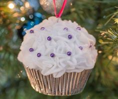 Nothing can beat homemade Christmas Ornaments & Christmas Crafts. Here are easy DIY Christmas Ornaments to make your Christmas Decorations feel personal. Easy Ornaments, Ornament Crafts, Diy Christmas Ornaments, How To Make Ornaments, Homemade Christmas, Christmas Bingo, Christmas Tree, Christmas Crafts For Adults, Unique Christmas Gifts