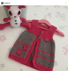 Baby Knitting Patterns, Free Knitting, Crochet Patterns, Knitted Baby Clothes, Knitted Hats, Baby Pullover, Baby Vest, Baby Kind, Baby Sweaters