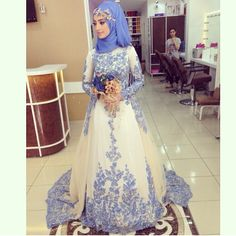 vestido de noivas 2018 Muslim Wedding Dresses Long Sleeves A-line Blue Lace Arabic Bridal Wedding Gown Bride Dresses With Detachable Train Muslimah Wedding Dress, Muslim Wedding Dresses, Muslim Brides, Bride Dresses, Muslim Fashion, Islamic Fashion, Hijab Fashion, Turban, Bridal Hijab