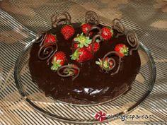 Πεντανόστιμη σοκολατένια τούρτα νηστίσιμη, χωρίς αυγά χωρίς γάλα.